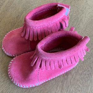 Minnetonka Moccasin Fringe Booties Pink Size 3